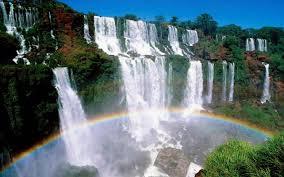 Entre Argentina y Brasil, las Cataratas del Iguazú